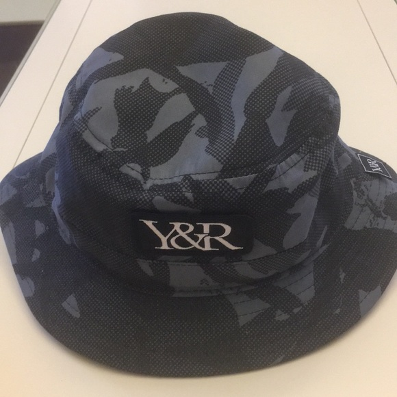 7accaed5f8b Young   Reckless bucket hat. M 5b4f7352c61777212054e5af